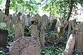 Beit Kevaroth Jewish cemetery Prague Josefov IMG 2801.JPG