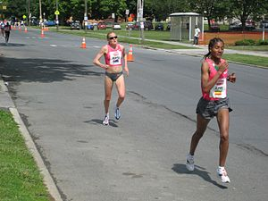 Freihofer's Run for Women - Benita Johnson and Ashu Kasim racing at the 2009 edition