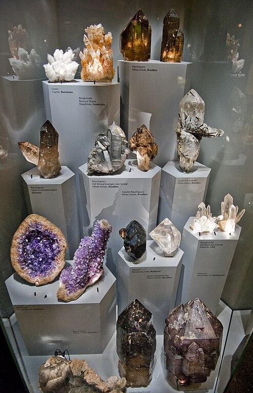 Rôzne druhy kryštálov kremeňa