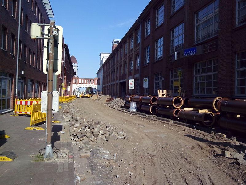 File:Bielefeld Nikolaus-Dürkopp-Straße während der Baumaßnahmen im Sommer 2015.jpg