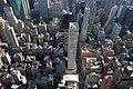 Blick auf die Dächerlandschaft Richtung Lower Manhattan - panoramio.jpg