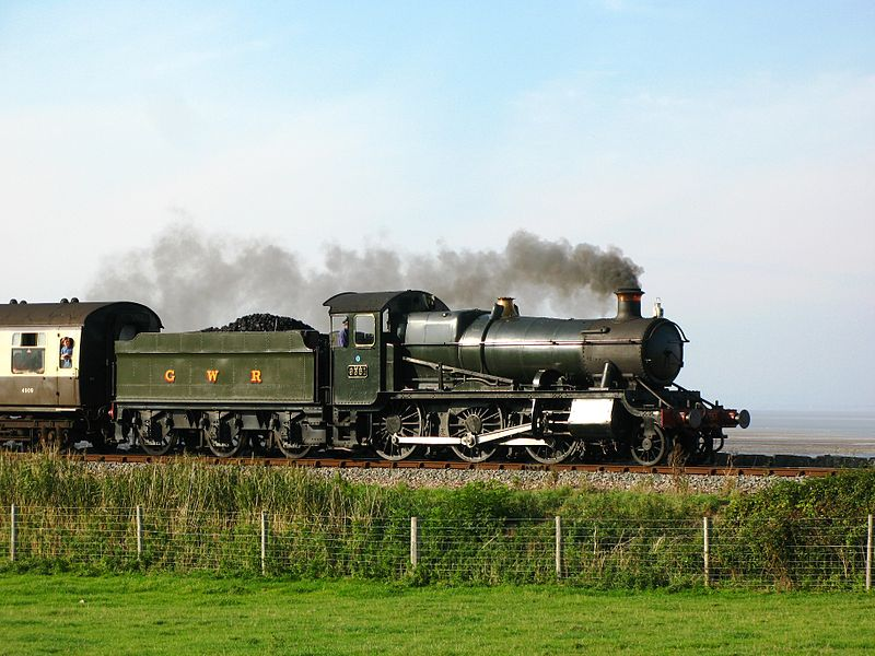 800px-Blue_Anchor_9351_steaming_eastward