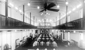Bonnington (sternwheeler) - Dining salon on Bonnington