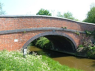 Somerton, Oxfordshire - Road bridge over the Oxford Canal at Somerton