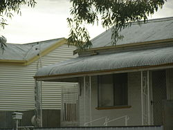 Broken-Hill-corrugated-iron-houses