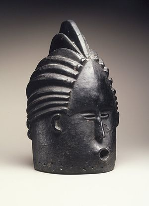 Brooklyn Museum 1998.80.2 Helmet Mask for Sande Society