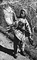 Bundesarchiv Bild 135-S-07-17-27, Tibetexpedition, Tibetischer Junge mit Eule.jpg
