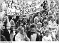 Bundesarchiv Bild 183-1990-0528-033, Leipzig, Demonstration des Neuen Forums.jpg