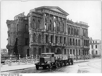 Embassy of the United States, Berlin - Ruins of the Embassy in 1957, shortly before demolition