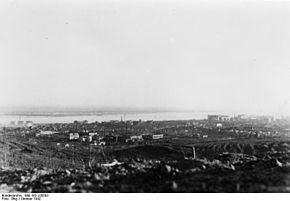 La città di Stalingrado e il corso del Volga viste dalle linee tedesche.