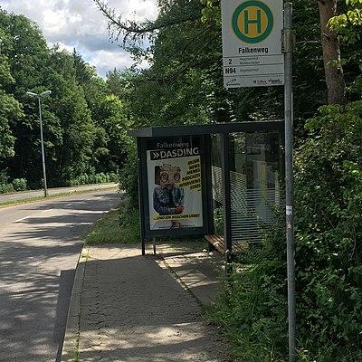 Bushaltestelle Falkenweg Tübingen Waldhäuser-Ost Fahrtrichtung Hauptbahnhof.jpg