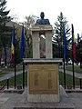 Bustul generalului Traian Moşoiu - Bran.JPG