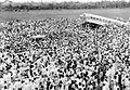 COLLECTIE TROPENMUSEUM Aankomst van de 'Uiver' na de Londen-Melbourne-race op het Darmo-vliegveld te Surabaya Java TMnr 10002713.jpg