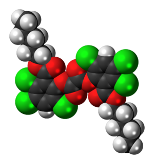 Bis-(2,4,5-trichloro-6-(pentyloxycarbonyl)phenyl)oxalate - Image: CPPO 3D spacefill