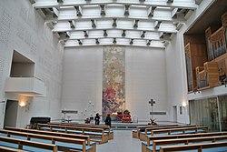 Cantate-Domino-Kirche (Frankfurt-Heddernheim) Innen.JPG