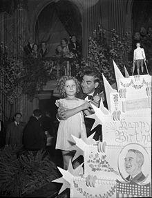 Shirley Temple ed Eddie Cantor celebrano il compleanno di Roosevelt, nel 1937