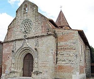Casseneuil - The church in Casseneuil