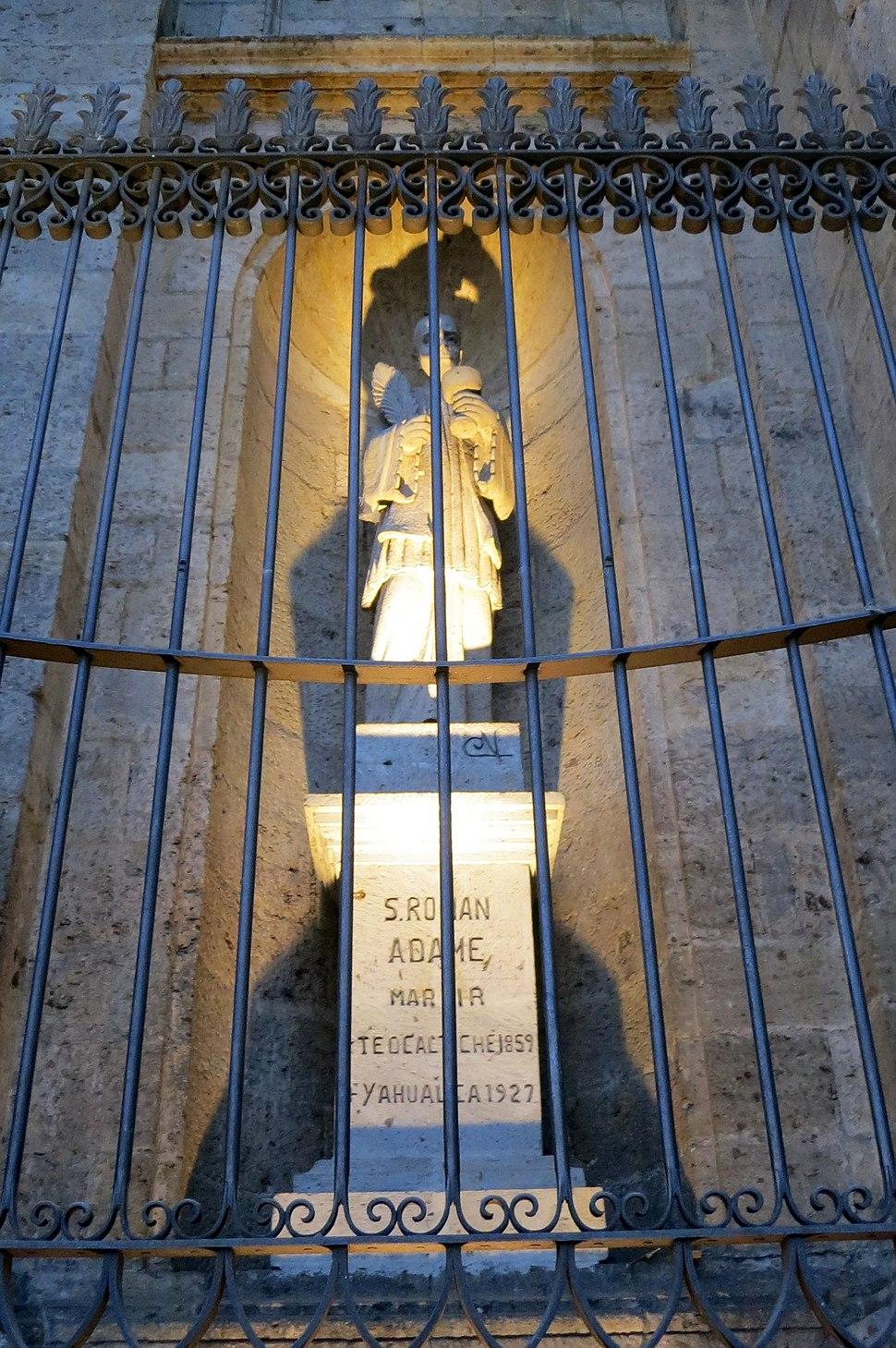 Catedral de la Asunción de María Santísima (Guadalajara, Jalisco) - St. Román Adame Rosales statue