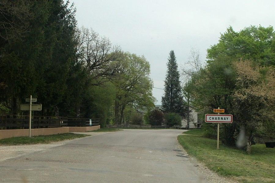 Entrée de Charnay (Doubs).