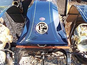 Charron (automobile) - Image: Charron Limited Front mit Firmenzeichen