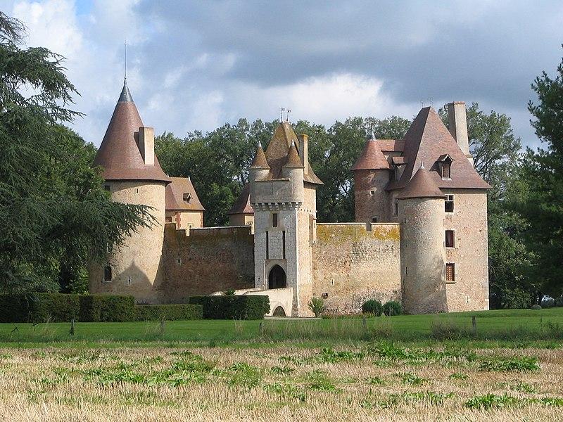 File:Chateau de Thoury.jpg