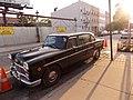 Checker limousine Pulaski Bridge and North Manhattan Ave. (8042331483).jpg