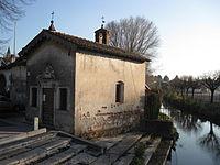 http://upload.wikimedia.org/wikipedia/commons/thumb/3/3f/Chiesa_della_Formica_Isola_della_Scala.jpg/200px-Chiesa_della_Formica_Isola_della_Scala.jpg