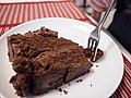 Chocolate fudge cake (6953780292).jpg