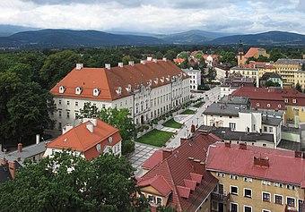 File:Cieplice-PlPiastowski-z-wiezy.jpg (Source: Wikimedia)