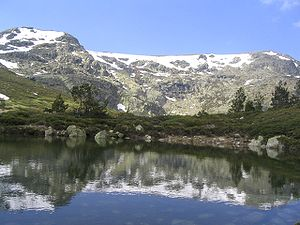 Cirque, peak and lake of Peñalara (Madrid, Spain)