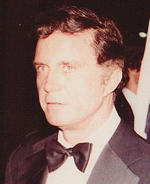 Cliff Robertson (november 1981) cropped.jpg