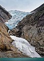Close view to Briksdalsbreen from lake, 2013 June.jpg