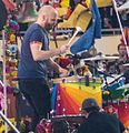 Coldplay Super Bowl 50 halftime show (24922816111) (Will Champion).jpg