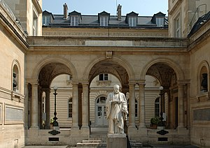 Courtyard of the Collège de France.