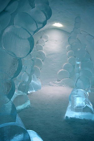 """Icehotel (Jukkasjärvi) - The suite """"Coming out"""" 2008 by Maurizio Perron"""