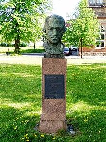 Ekhof-Denkmal Schwerin (Quelle: Wikimedia)