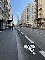 Cours Lafayette, Lyon - au fond la cheminée de la chaufferie de La Part-Dieu.jpg