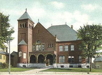 Laconia, New Hampshire - Image: Courthouse, Laconia, NH