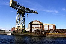 Crane at Barclay Curle shipyard,disused now. - geograph.org.uk - 148891.jpg