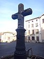 Croix de chemin du 16e siècle, Arlanc 2.JPG