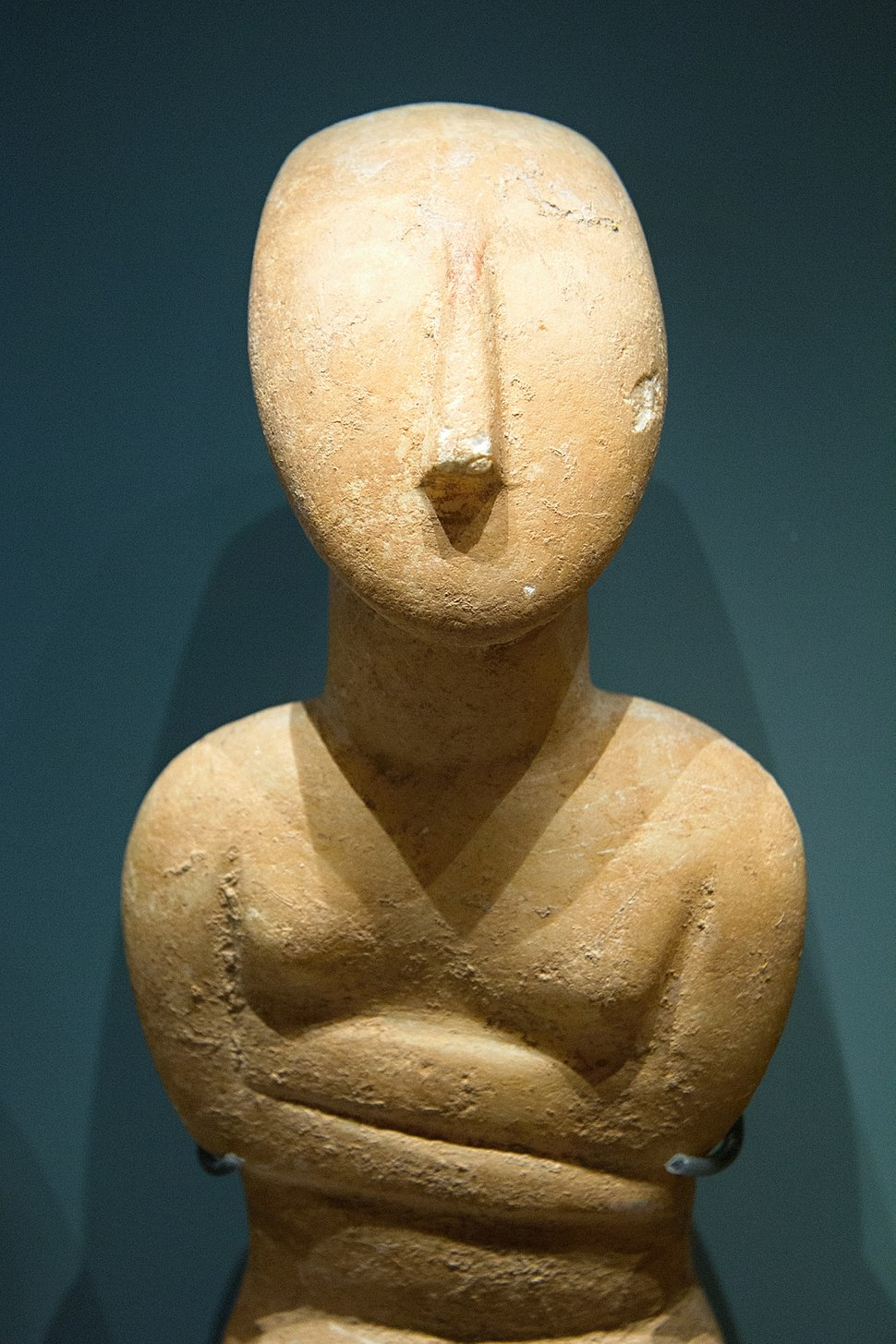 Cycladic figurine female, 2800%E2%80%932300 BC, AshmoleanM, AE 178, 142426
