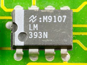 Comparator - National Semiconductor LM393