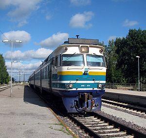 Edelaraudtee - Diesel multiple unit DR1B at Tartu (2010)