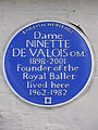 Dame Ninette de Valois 1898-2001 O.M. founder of the Royal Ballet lived here 1962-1982.jpg