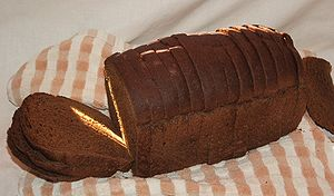 English: Loaf of dark rye bread