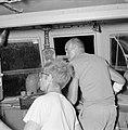De vissers Chanan Welish (r) en zijn hulp Dody volgen staand in de stuurhut van , Bestanddeelnr 255-2867.jpg