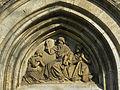 Detail des Hauptportals der Sieveringer Pfarrkirche.jpg