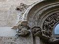 Detall escultòric de la porta que dóna al pati dels tarongers, Llotja de València.JPG
