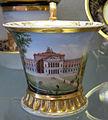 Doccia, servito con vedute di firenze, 1800-1850 ca., tazzina con villa di poggio imperiale 01.JPG