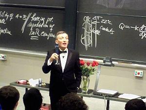 English: MIT Professor Donald Sadoway in room ...